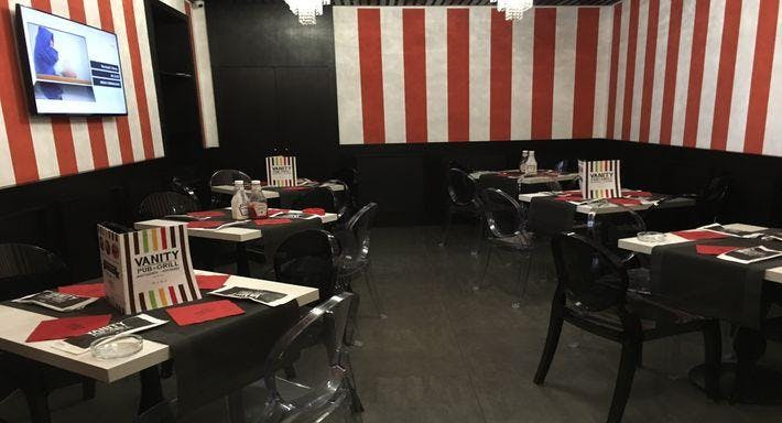 Vanity Pub & Grill Napoli image 3