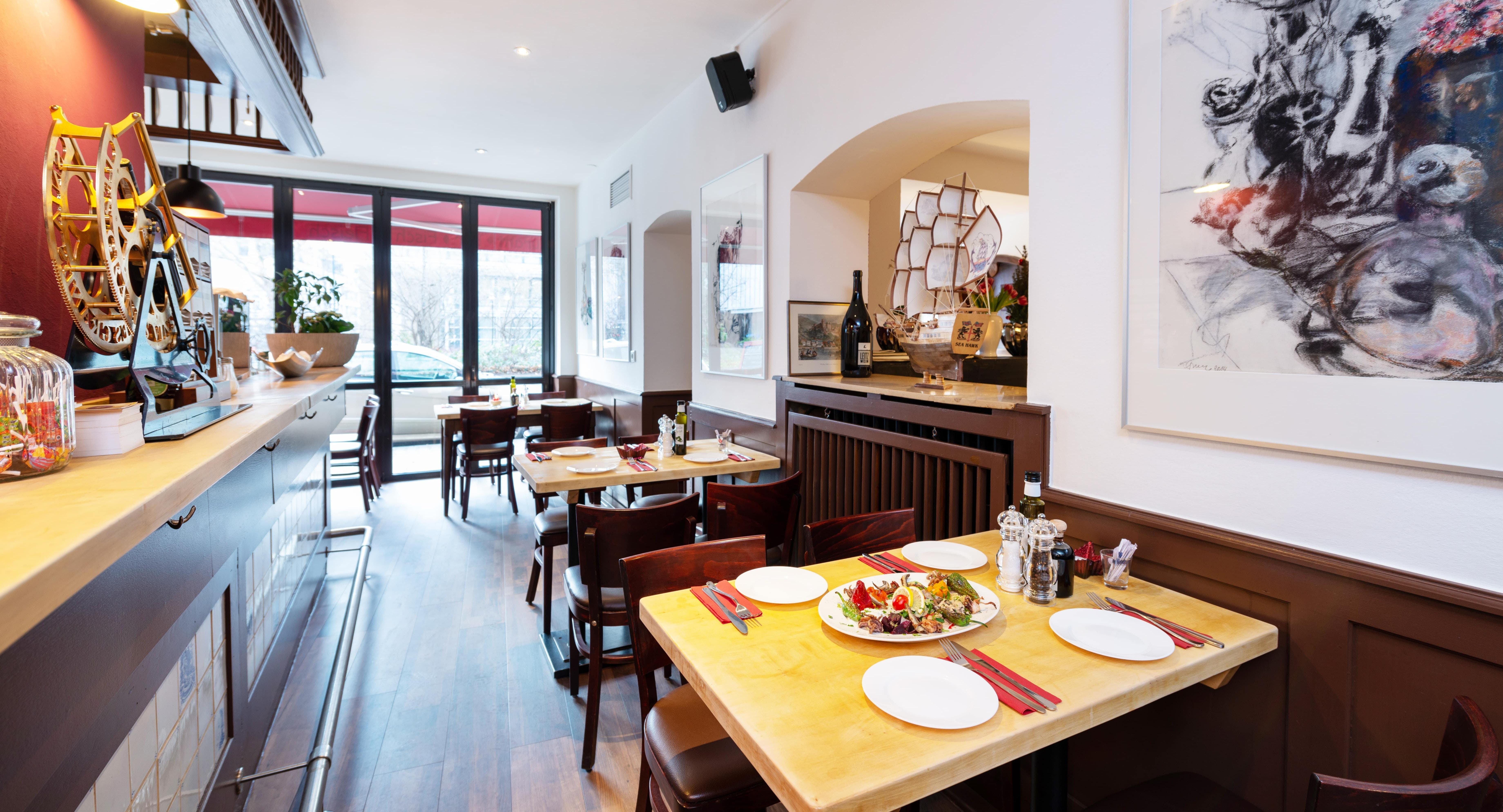 Saban's Cafe & Restaurant Dusseldorf image 3