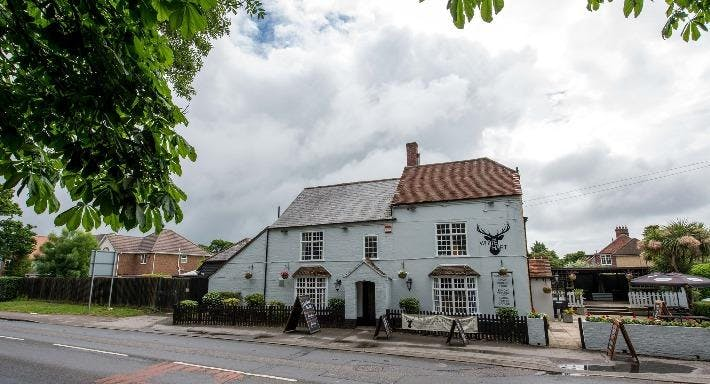 The White Hart Lymington image 2