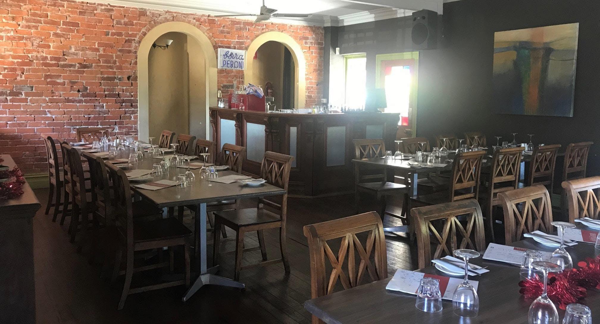 Soprano's Pizzeria Ristorante Perth image 3