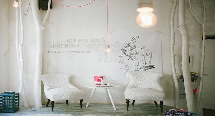 White Rabbits Room München image 4