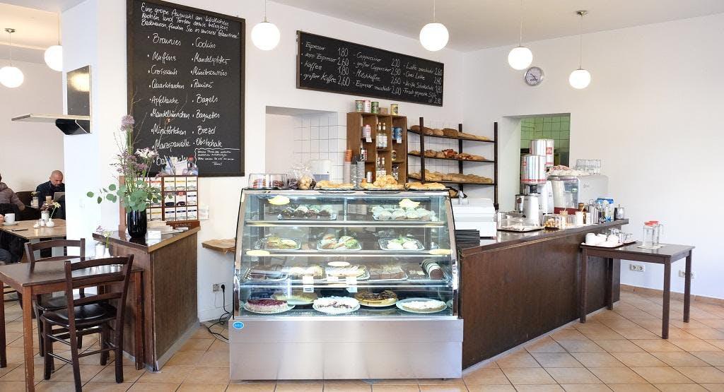 Café Tous Les Jours Berlin image 1