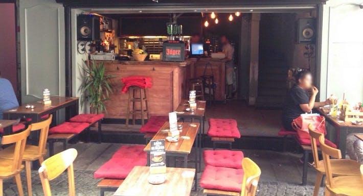 Burger Pub Beşiktaş İstanbul image 2