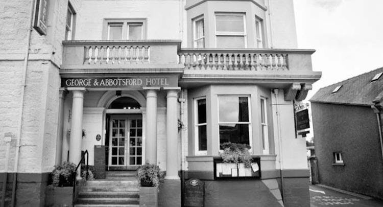 George and Abbotsford Hotel Melrose image 1