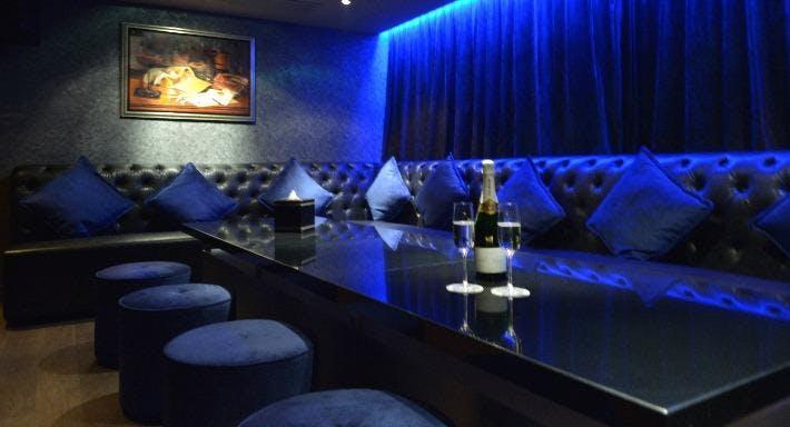 String Champagne Karaoke Club Hong Kong image 5