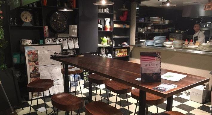 Shores Restaurant Grill Lounge Bar Sydney image 4