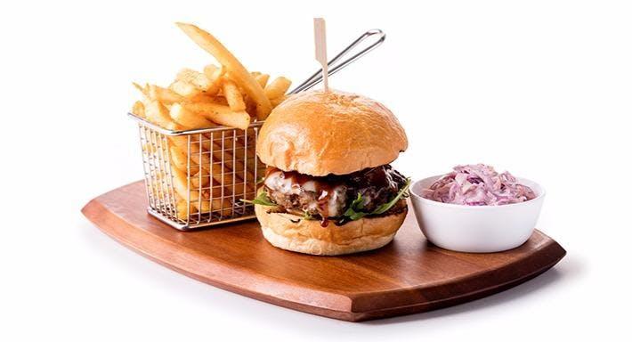 Dallas Restaurant & Bar - Suntec City Singapore image 12
