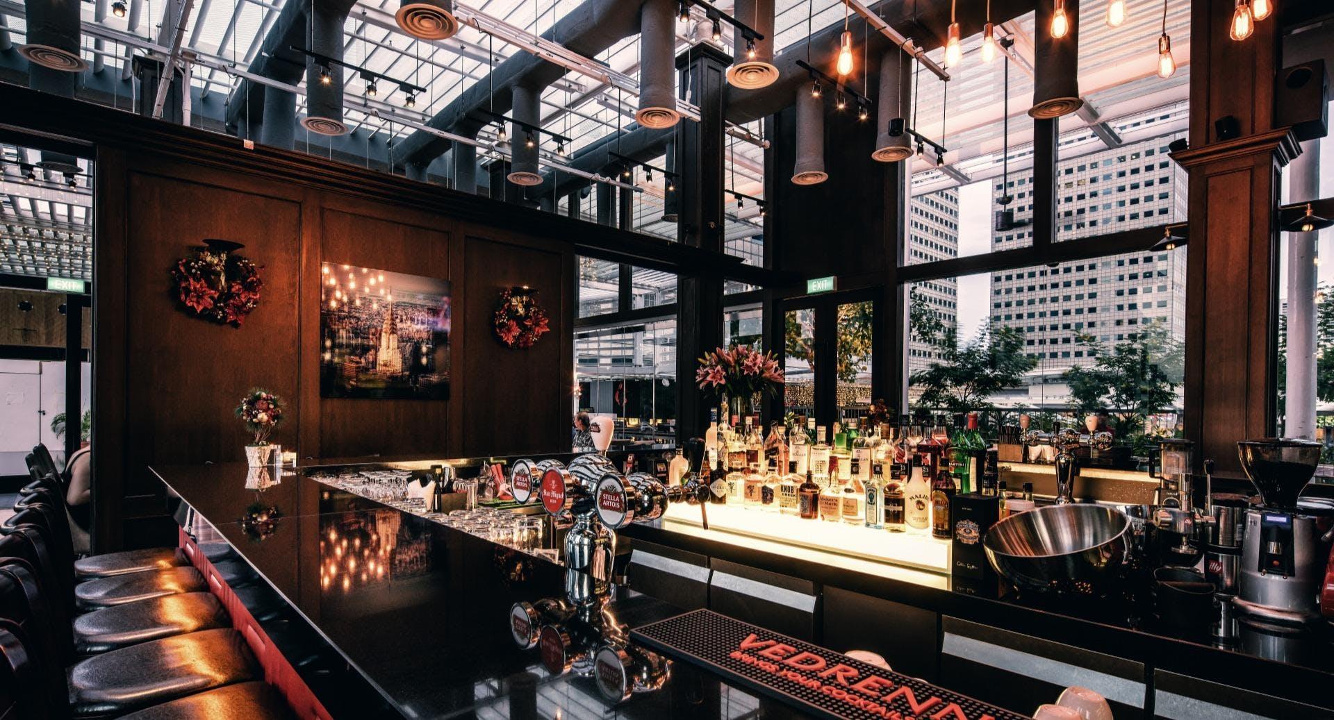 Dallas Restaurant & Bar - Suntec City Singapore image 3