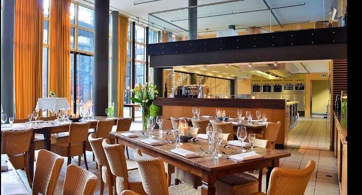 Atlas Restaurant & Kochsalon Hamburg image 1