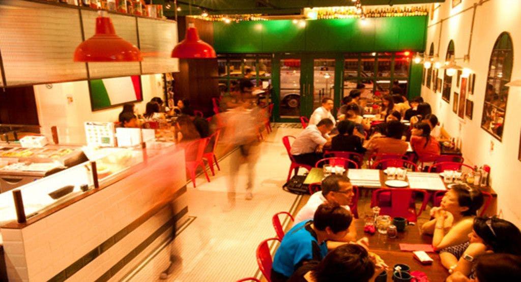 Peperoni Pizzeria - Frankel Avenue Singapore image 1