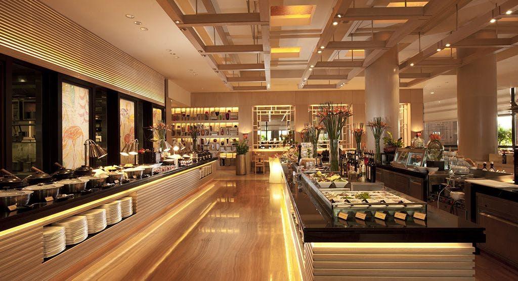 Oscar's @ Conrad Centennial Hotel
