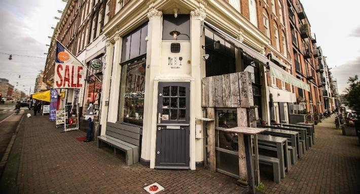 Kade West Amsterdam image 3