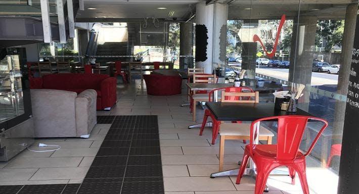 Le Corner Room Canberra image 2