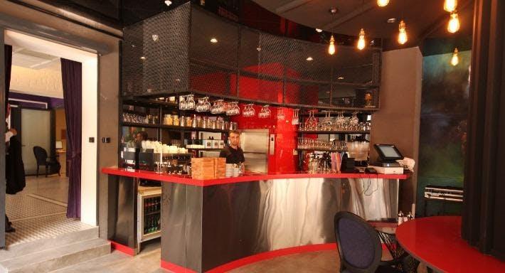 Le Visage Cafe