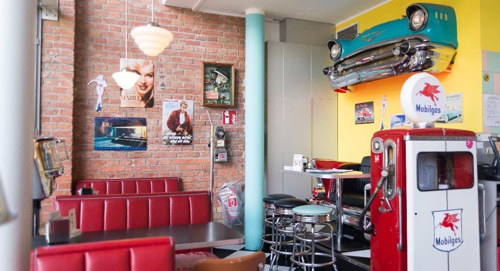 Fly's American Fifties Restaurant Wien image 1