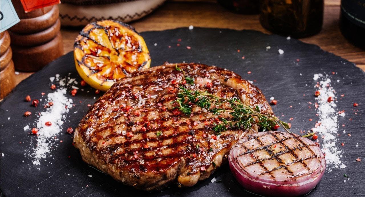 Charlston's Steakhouse