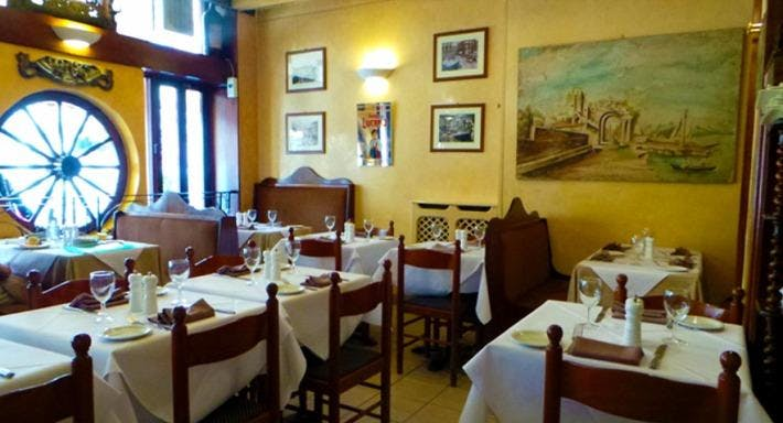 Taormina Restaurant London image 3