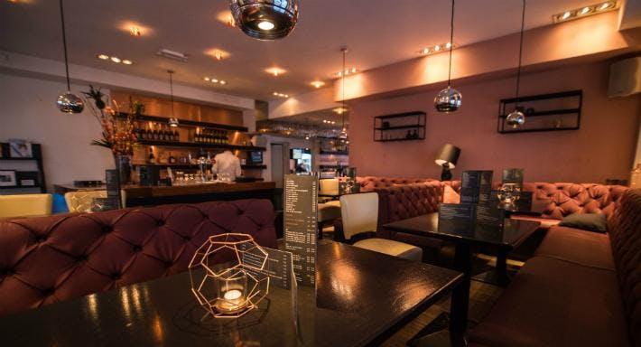 Bar Restaurant Dendy Den Haag image 5