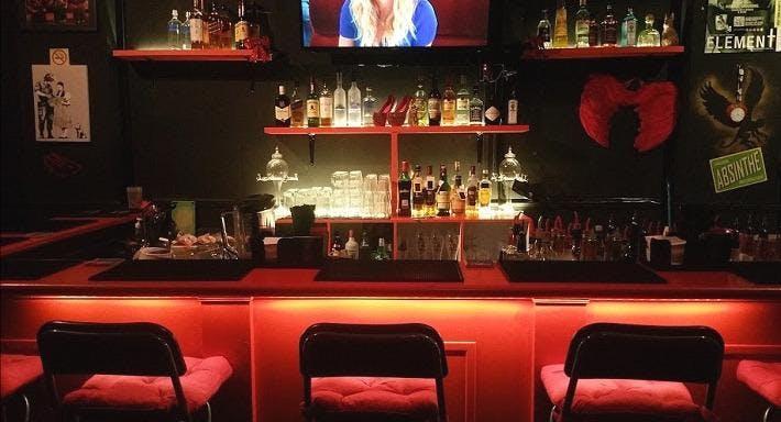 Dorothy's Bar Singapore image 3