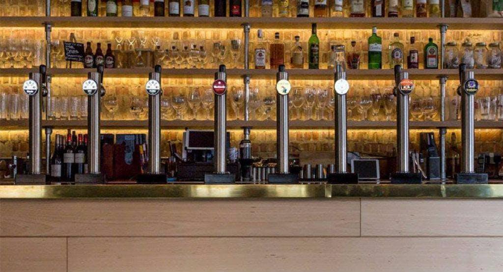 Huis Belgian Bar + Kitchen