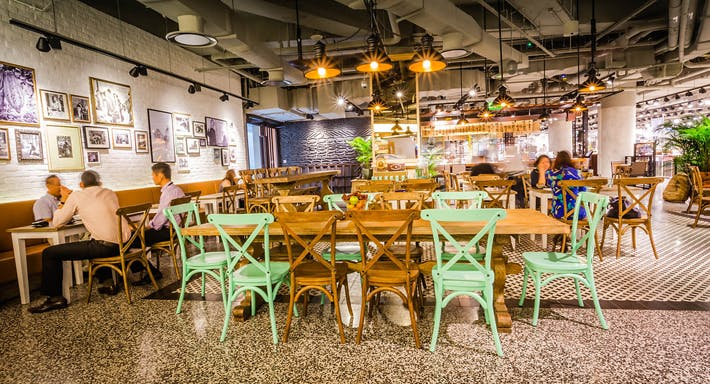 Laurent's Cafe Singapore image 2