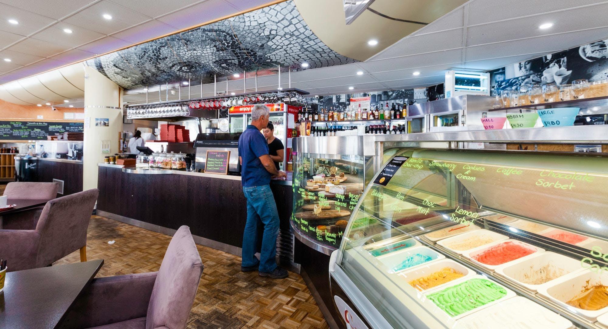 La Scala Cafe & Pizzeria