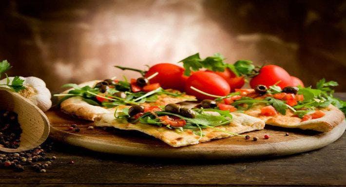 J Pizzeria e Cucina Italiana