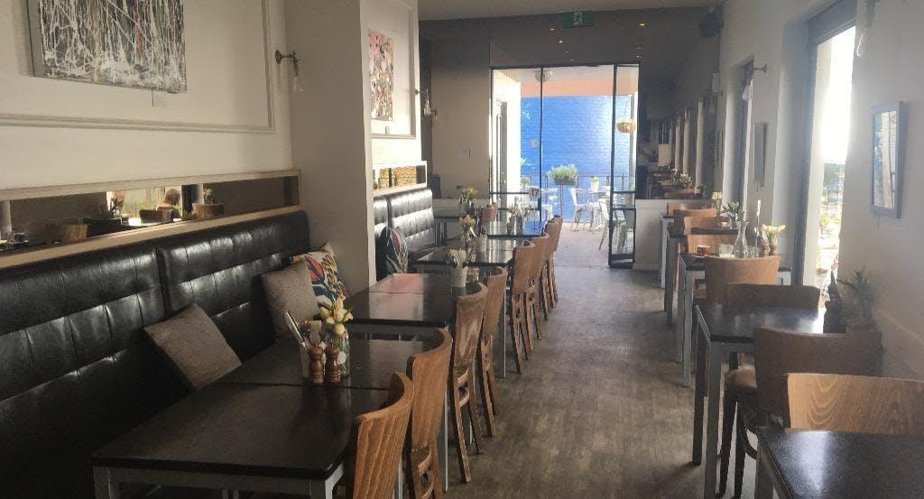 J'Co Cafe & Bar