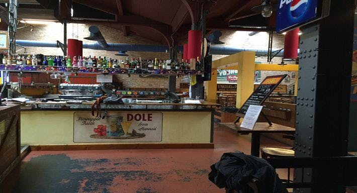 Pizzeria Ae Oche Docks