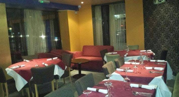 042 Restaurant and Bar