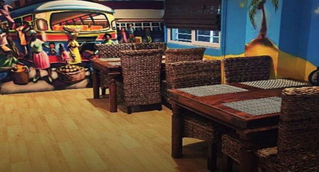 Comies Caribbean Grill Oxford image 1