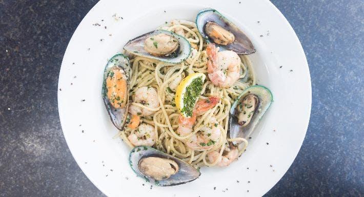 La Zanya's Restaurant & Bar Melbourne image 3