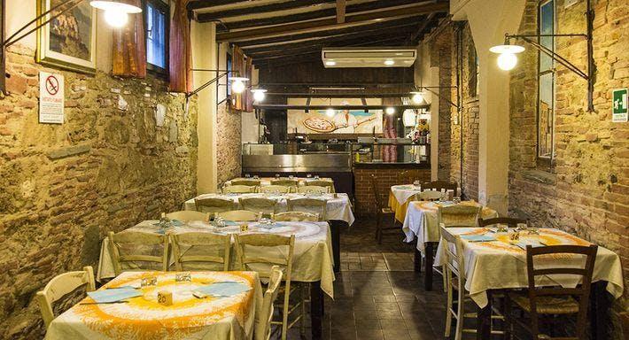 Ristorante Pizzeria Spaccanapoli Livorno image 2