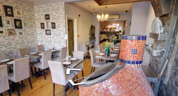 Apadana Restaurant London image 5
