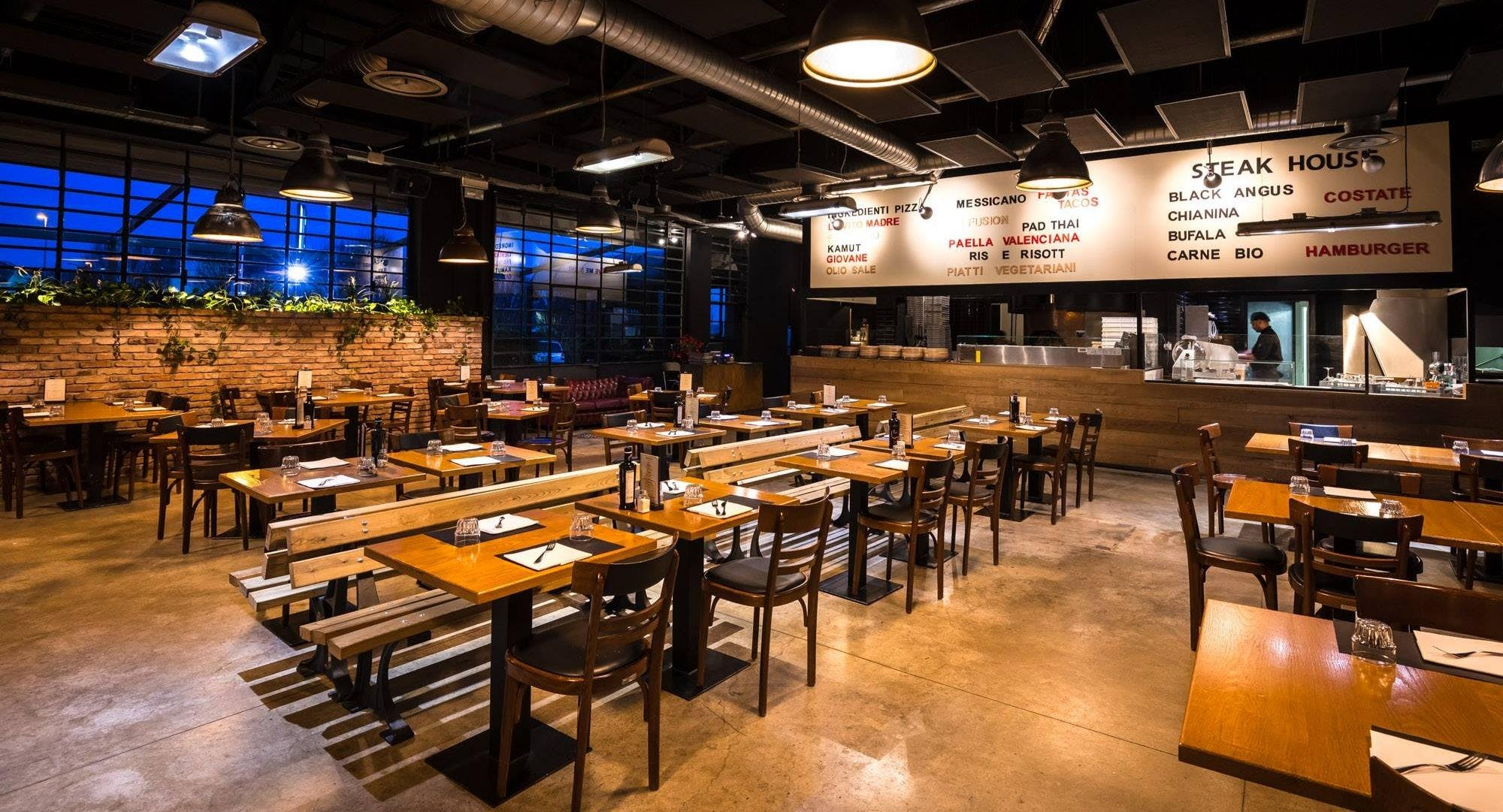 Please - Antigua Restaurants