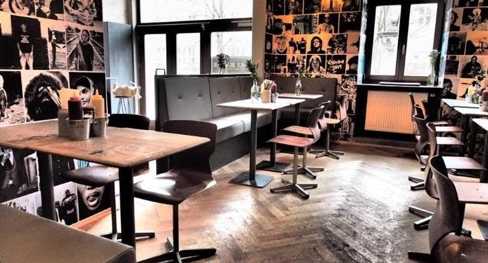 holy burger rotkreuzplatz in m nchen neuhausen reservieren. Black Bedroom Furniture Sets. Home Design Ideas