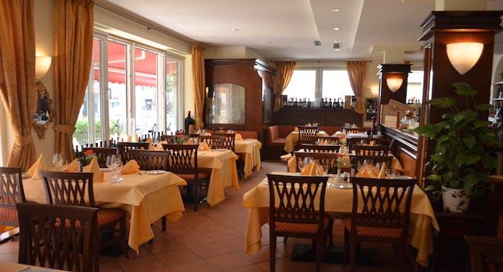 Restaurant Fontana di Trevi Francfort image 2