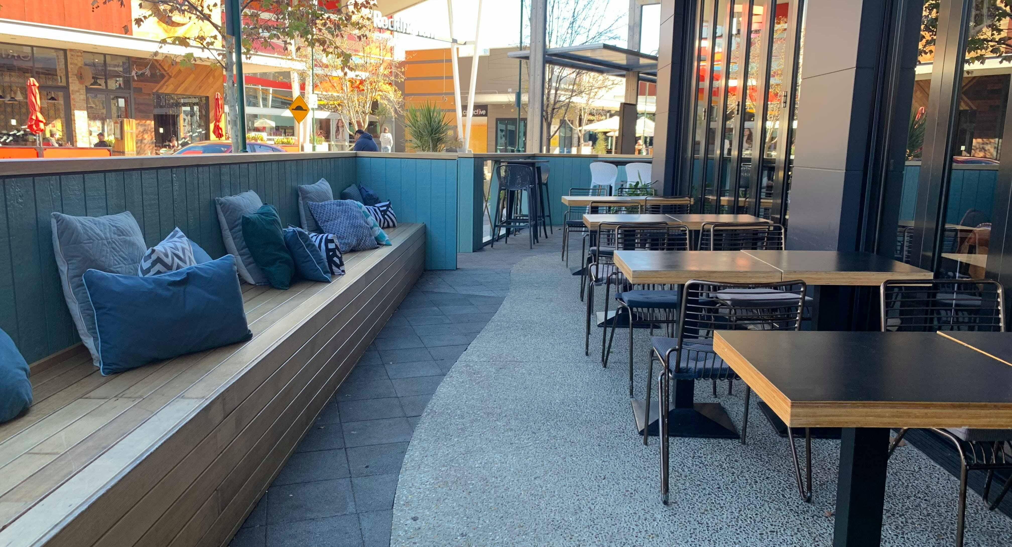 Bar Nineteen 89 Rockingham image 3