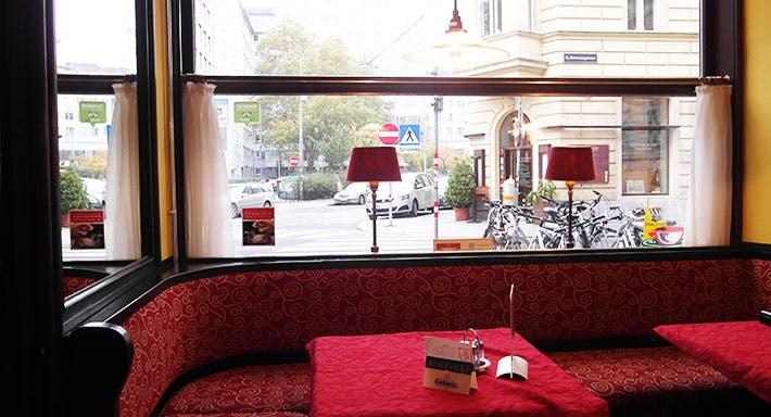 Café Restaurant Strozzi Wien image 4