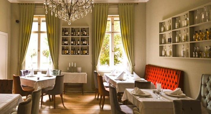 ristorante villa von haacke potsdam innenstadt. Black Bedroom Furniture Sets. Home Design Ideas