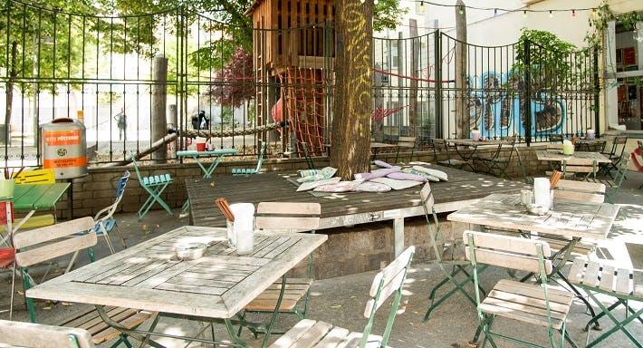 China Bar Wien image 6