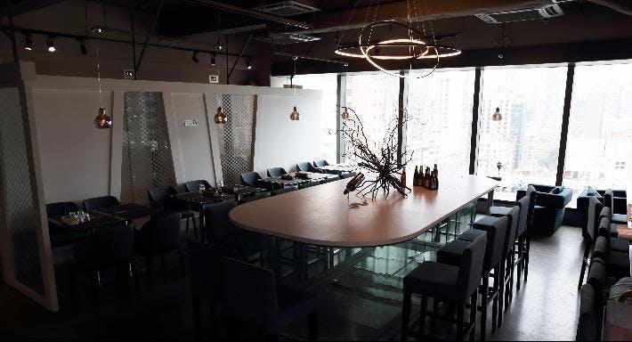 Doux - Dessert Bar & Restaurant Hong Kong image 3