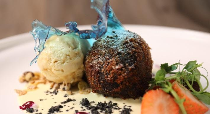 Doux - Dessert Bar & Restaurant Hong Kong image 5