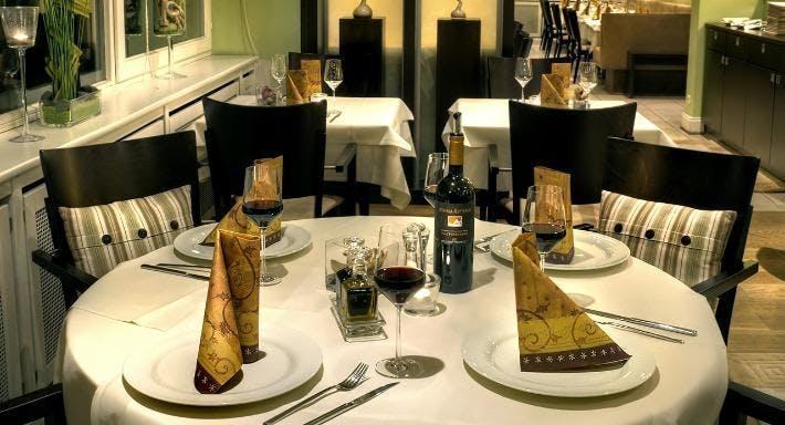 Minas Restaurant Hamburg image 5