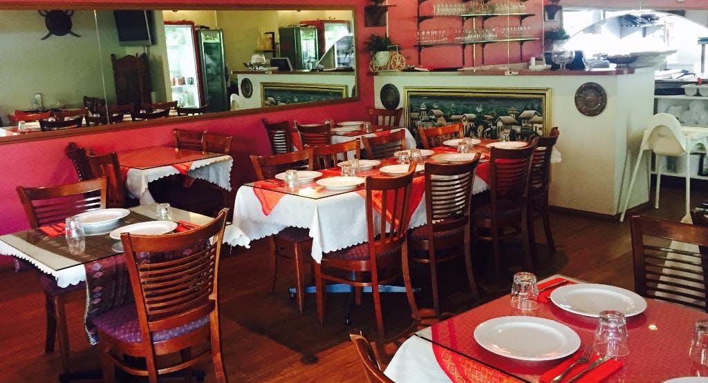 D Tandoor Indian Restaurant