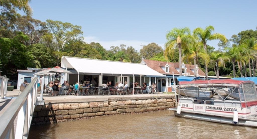 Como Waterfront Café