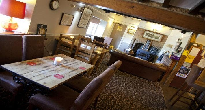 The Black Bull Inn Market Overton image 3