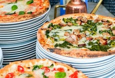 Restaurant Pizzeria Trianon Napoli in Porto, Naples