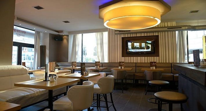 BARCO Lounge Restaurant Düsseldorf image 2