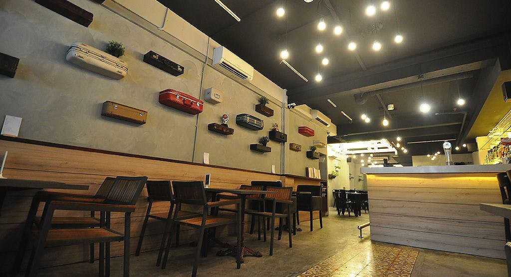 Den Bar & Kitchen Singapore image 1